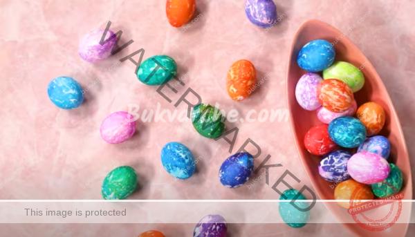 Шарени яйца за Великден с креп хартия: проста техника