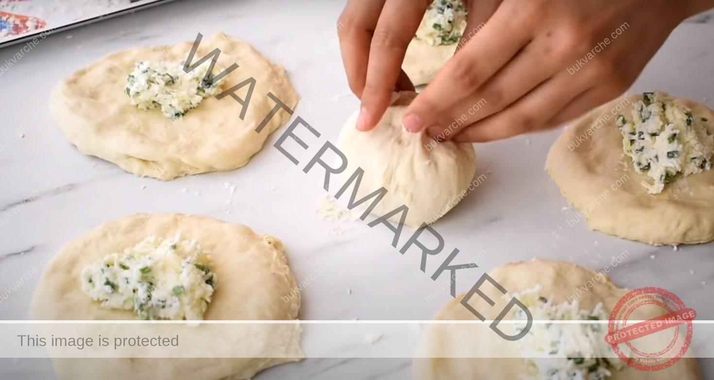 Хлебчета със сирене: вкусна идея за закуска или вечеря