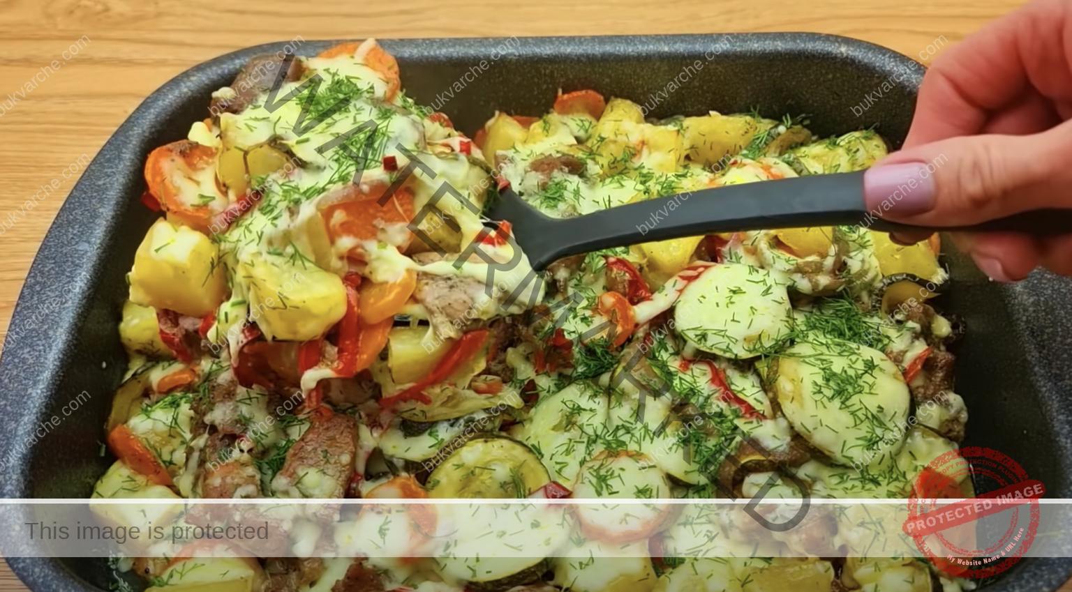 Месо и зеленчуци на фурна - засищащ и вкусен обяд