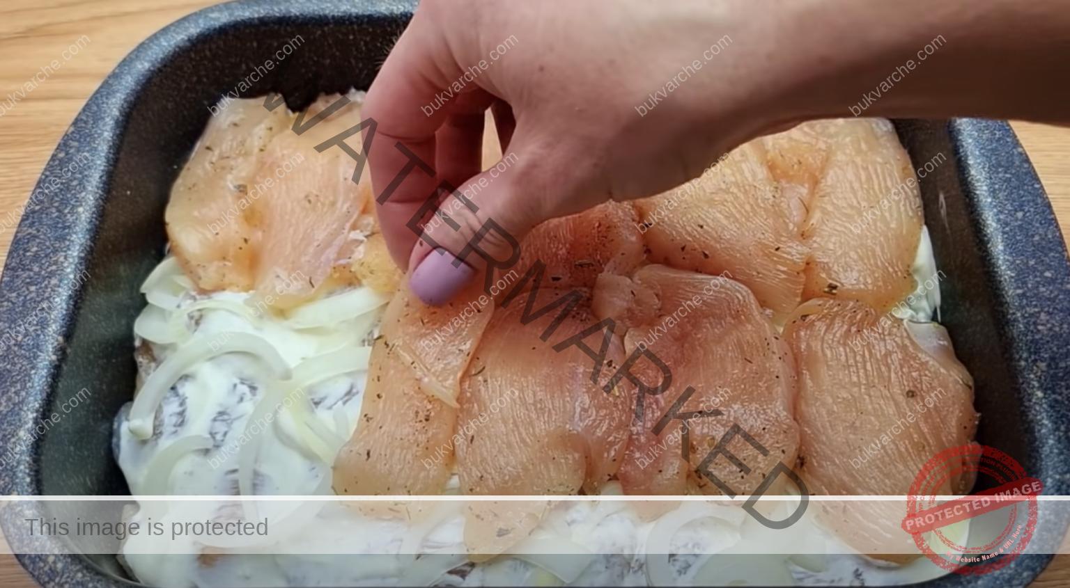 Пилешки филенца със сос на фурна - сочни и вкусни