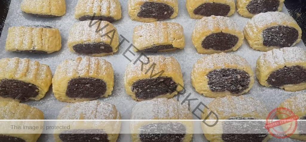 Бисквитки с шоколадов пълнеж за празничната трапеза