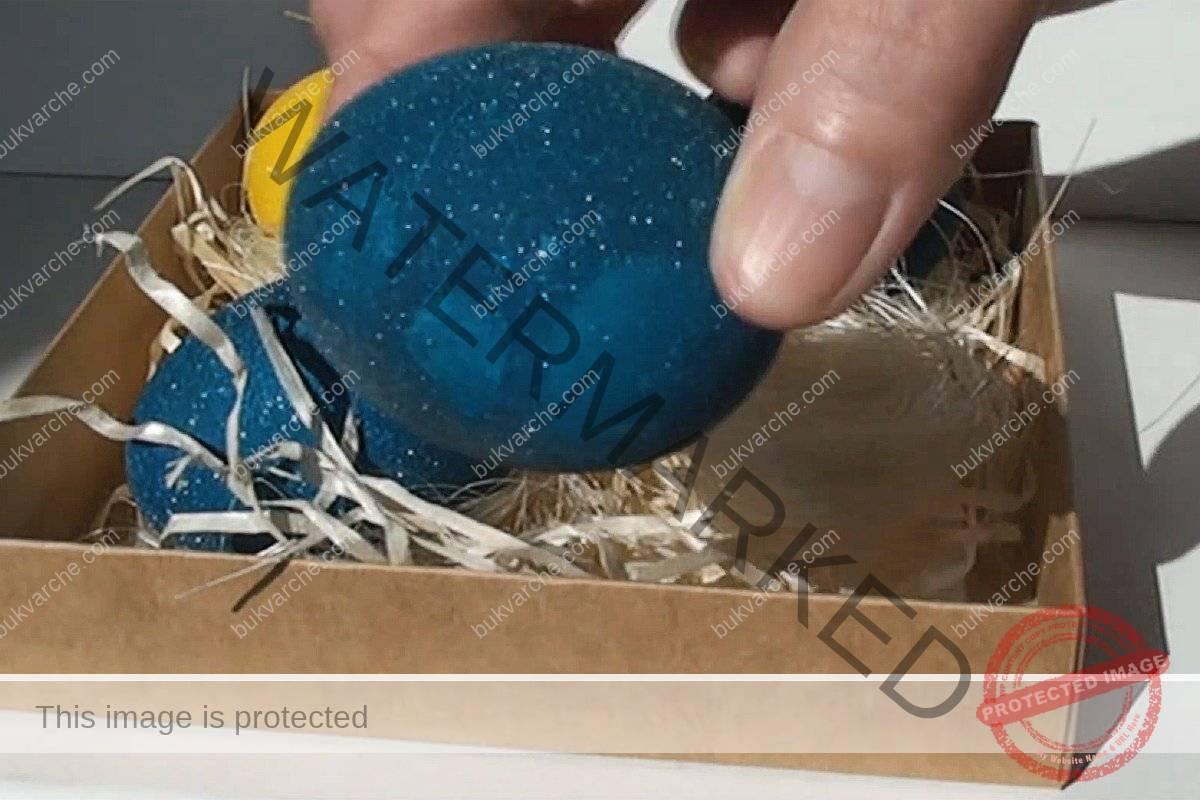 Великденски яйца на кристали - интересна техника за боядисване
