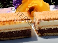 Десерт с грис и бисквити - рецепта за заети домакини