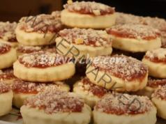 Постни бисквитки със сладко - вкусни, ронливи и въздушни