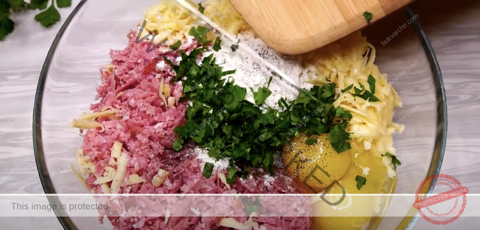 Кюфтета от картофи и салам - пържени или на фурна