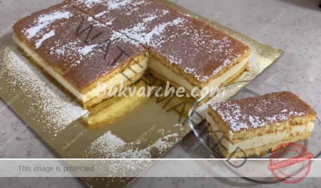 Торта с глазура и нежен крем с бял шоколад и сметана