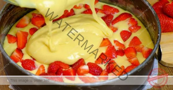 Ягодов сладкиш – отличен десерт за чая или кафето