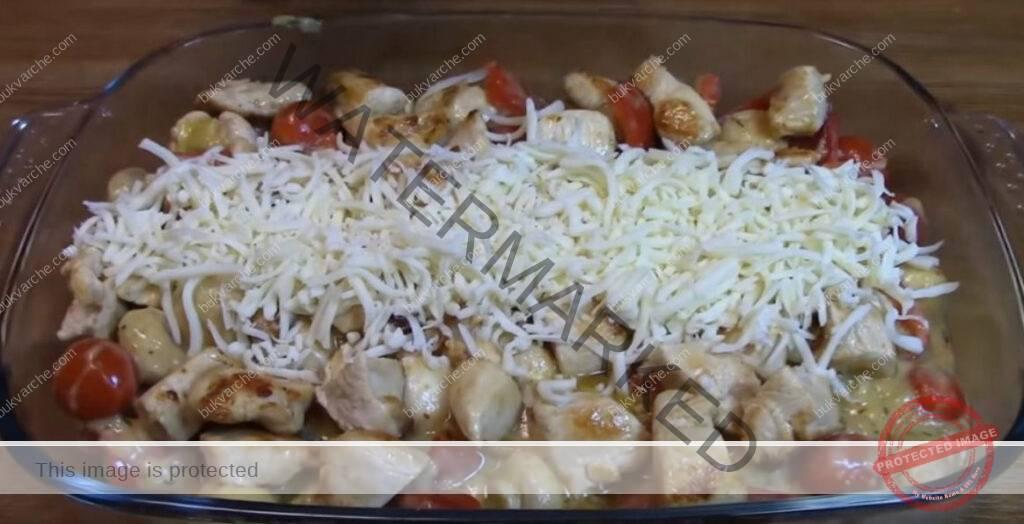 Запеканка с пилешко месо и гъби - сочна вечеря за цялото семейство