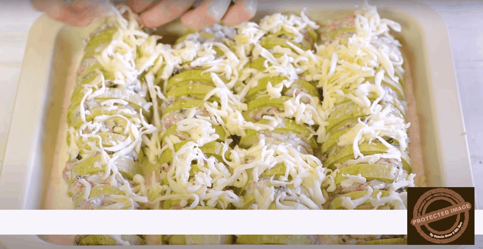 Кайма с тиквички и сметанов сос на фурна - вкусно и лесно
