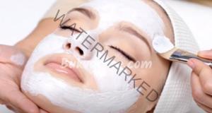 Домашна маска със сода за хляб и мед срещу бръчки