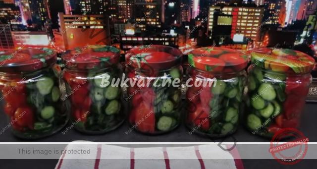 Мариновани краставички и домати за зимата. Рецепта