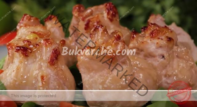 Торбички от свинско месо с пълнеж от кашкавал и мариновани гъби