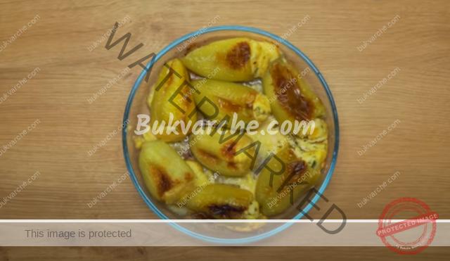Печени чушки с извара и яйца - ароматно и вкусно ястие