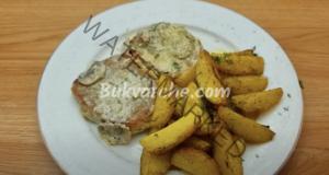 Свински пържоли на тиган с гъби и лук - лесно, сочно и вкусно