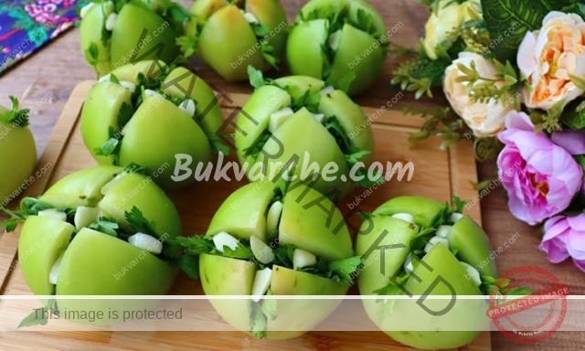 Зелени домати с чесън за зимата - истински деликатес