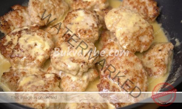 Пилешки кюфтета със сметана – истински деликатес