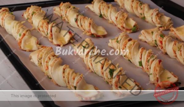 Пръчици от бутер тесто с пълнеж – лесни и вкусни (1)