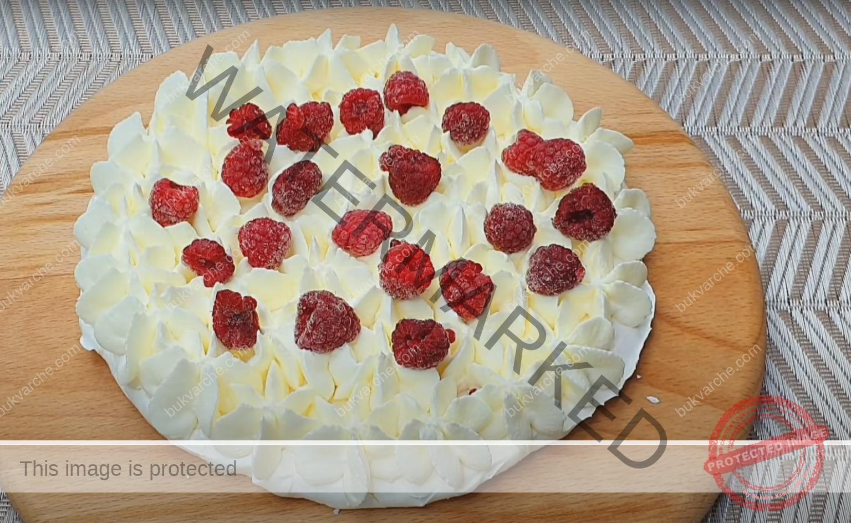 Десерт от белтъци и нежен крем. Топи се в устата